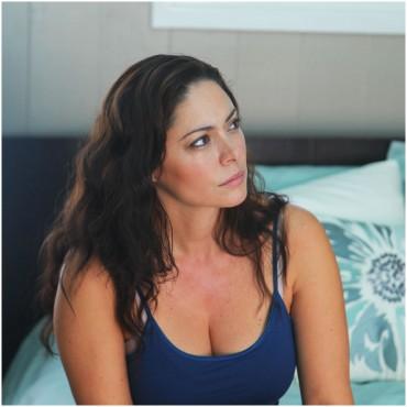 Jessica Leccia as Eva